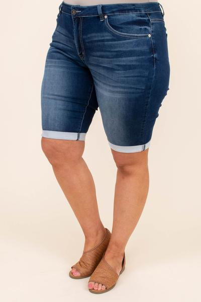 shorts, above knee, cuffed, denim, dark blue, faded